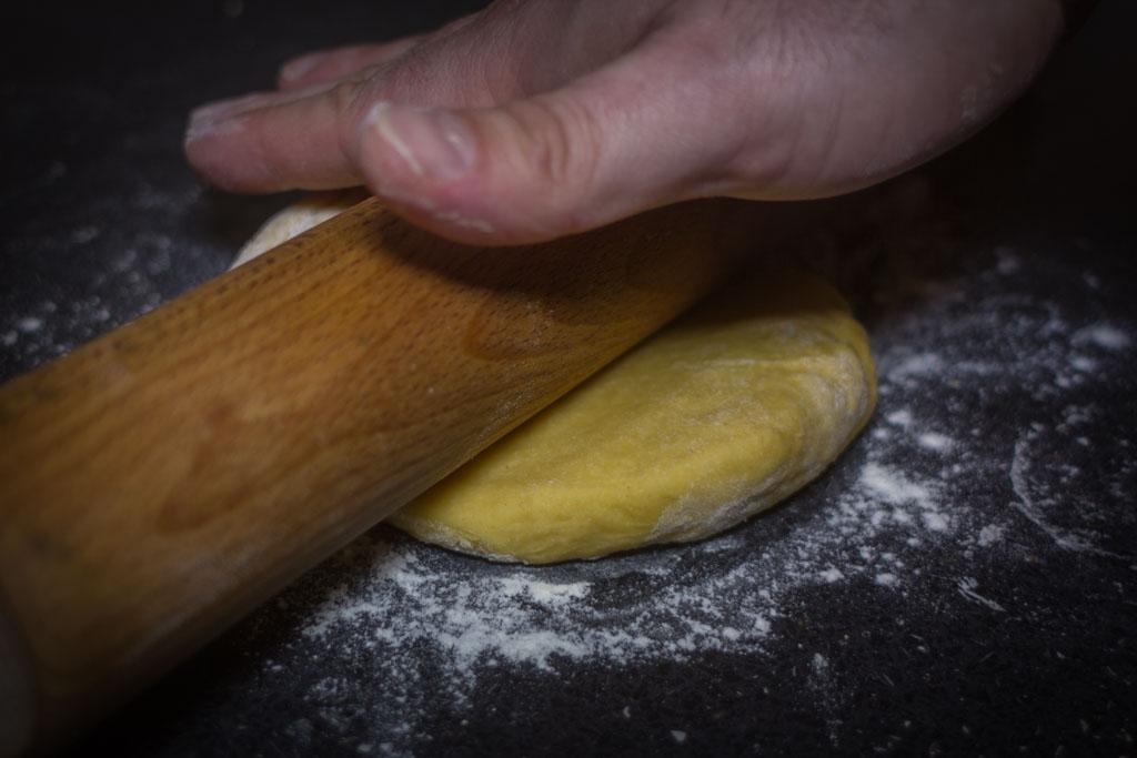 Kako pripremiti svježu tjesteninu (tagliatelle) - valjanje