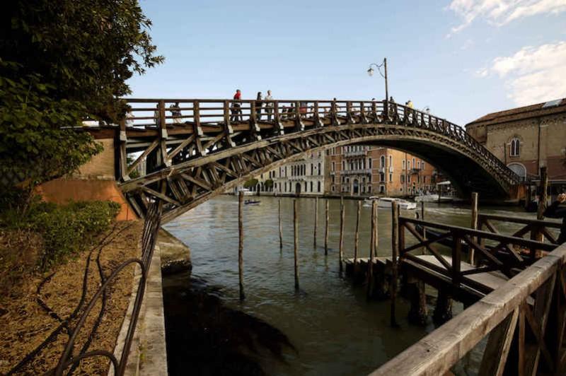 Akademijin most (Ponte dell'Accademia) u Veneciji