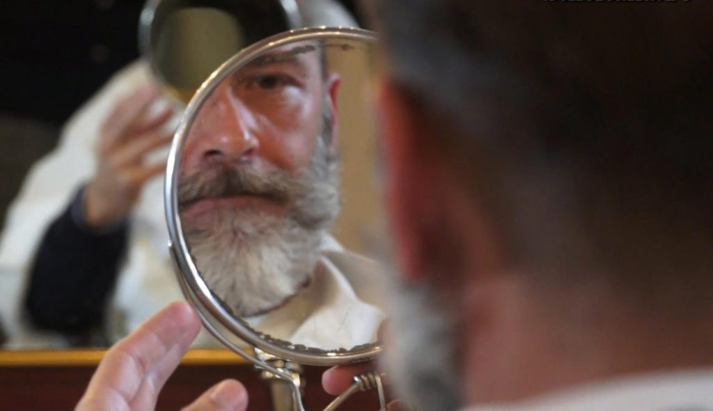 Sve divne i bujne brade počinju istim korakom - prestankom brijanja