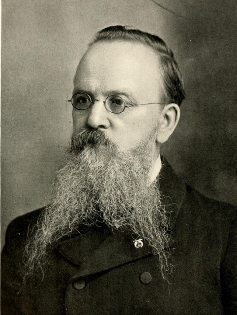 Englez E.A. Stansfield koji je emigrirao u SAD te postao nadzornik tvrtke Keystone Silk Mills u New Jerseyu