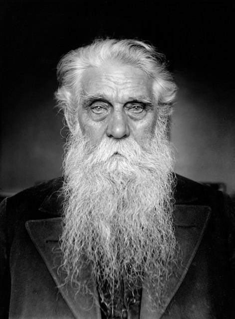 Stolar Karl August Andersson, rođen 1859. godine, snimljeno u staračkom domu u Sabbatsbergu Švedskoj 1934. godine.