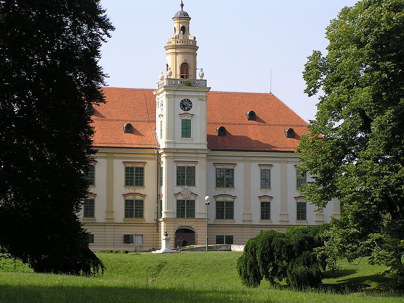 Dvorac Hilleprand-Prandau u Valpovu