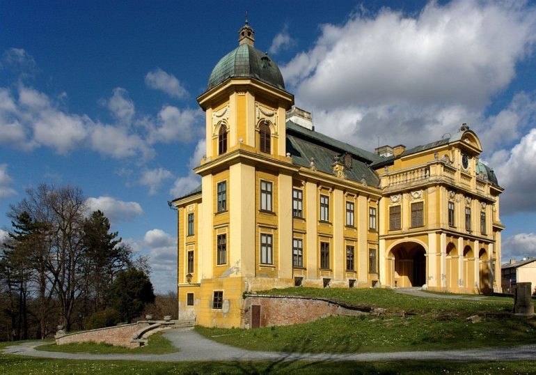 Dvorac Pejačević u Našicama