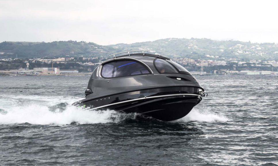 Jet-Capsule-Mini-Yacht-2