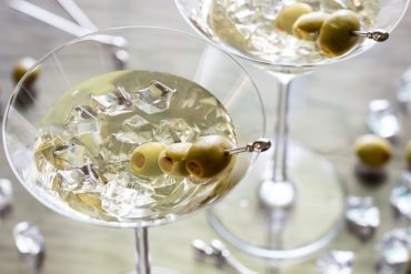 Vesper martini: saznajte tajnu omiljenog pića Jamesa Bonda!