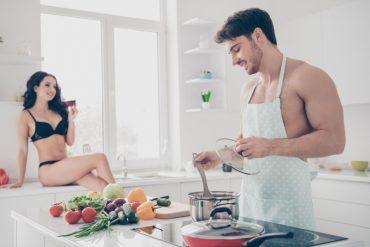 Zašto svaki gentleman mora znati spremiti večeru?