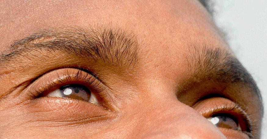 Naglo vam se zamutio vid na jedno oko? Možda imate menadžersku bolest